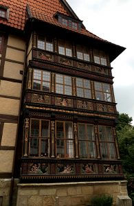 111116_germanyspaincreativity_paintedbuildings